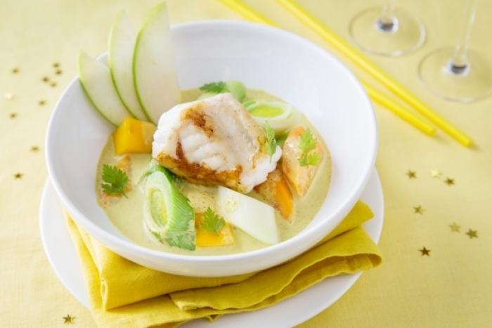 Recette de curry de lotte aux petits légumes et aux fruits exotiques ...