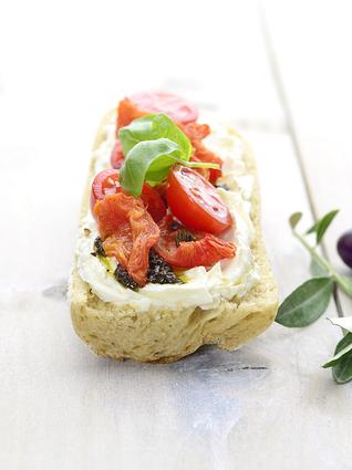 Recette de tartine provençale aux tomates cerise et tapenade
