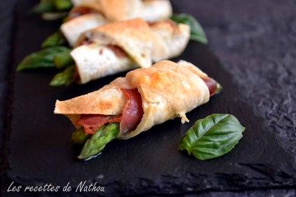 Recette de croissants de tacos aux asperges, jambon cru et pesto ...