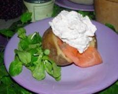 Recette pommes de terre farcies au saumon fumé et chantilly de ...