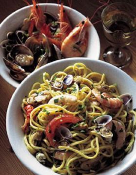 Spaghetti aux fruits de mer pour 4 personnes