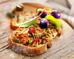 Recette tartines d'aubergines, tomates et parmesan