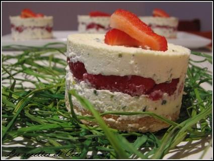 Recette de délice aux fraises et mousse au chocolat blanc