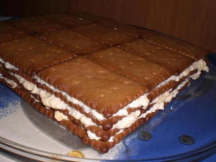 Recette de gâteau aux petits beurres à la crème et au café
