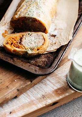Porc wellington avec sauce crémeuse aux herbes