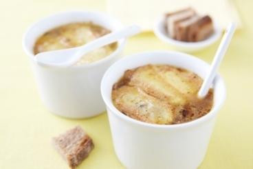 Recette de soupe à l'oignon gratinée au munster facile et rapide
