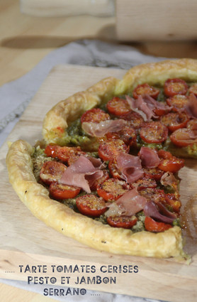 Recette de tarte aux tomates cerises, pesto et jambon serrano
