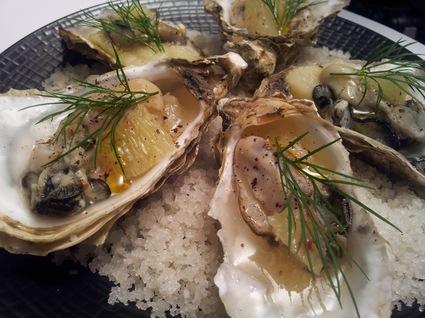 Recette de huîtres en gelée de muscadet, fenouil, citron vert, aneth ...