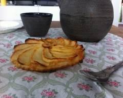 Recette tartelette fine aux pommes et caramel au beurre salé