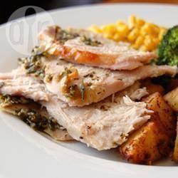 Recette dinde rôtie au romarin et au basilic – toutes les recettes ...
