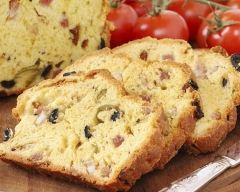 Recette cake salé aux magrets de canard, olives et fromages