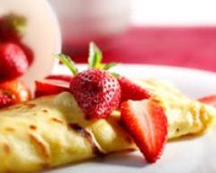 Recette crêpes dentelles et fraises de plougastel à la crème