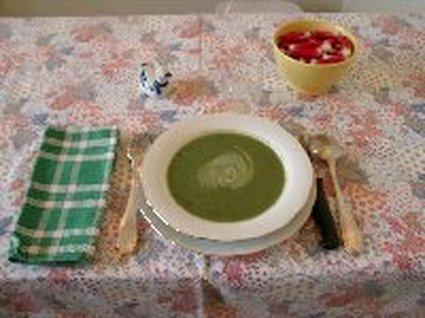 Recette de soupe aux fanes de radis et pomme de terre