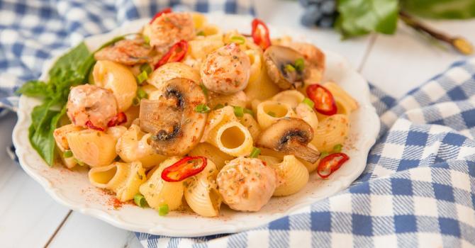 Recette de pâtes légères au poulet, piment et paprika