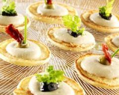 Recette fromage blanc en faisselle et anchoïade sur lit de blinis