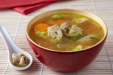Recette de bouillon à la citronnelle, dinde thaïe et cacahuètes facile ...