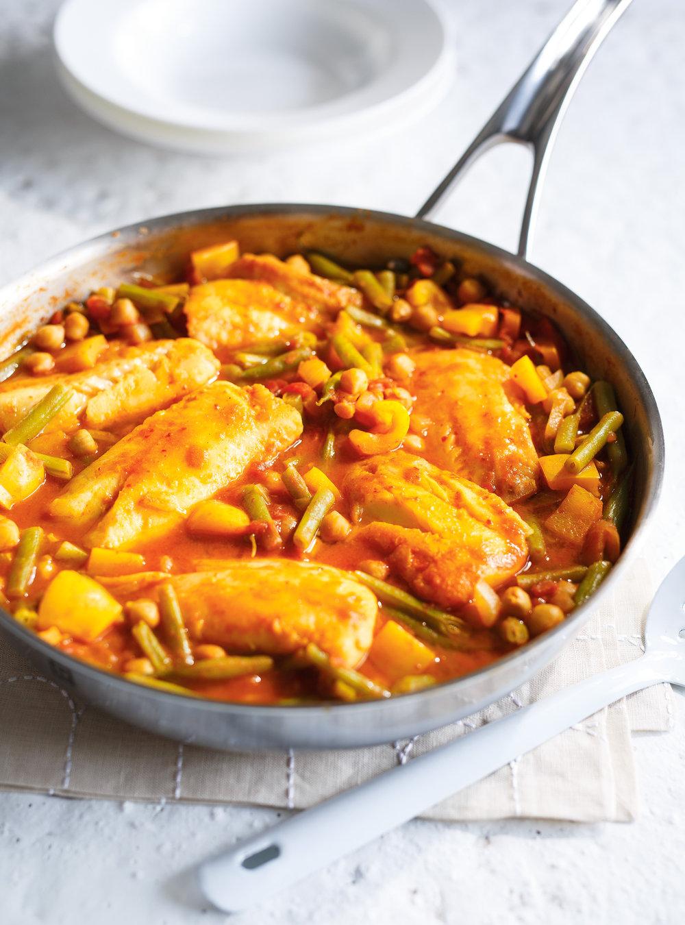 Casserole de poisson aux tomates et aux haricots verts | ricardo