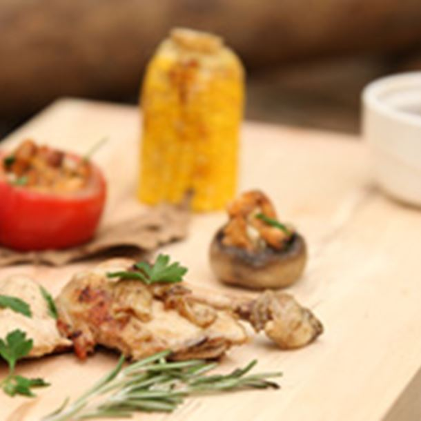 Recette le plat : coquelet en croûte de sel et petit farci aux girolles