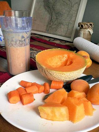 Recette de smoothie d'été au melon, abricot et banane