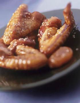 Ailerons de poulet dorés au sésame pour 4 personnes