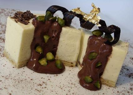 Recette de bavarois vanille-pralin, crème choco-pistache