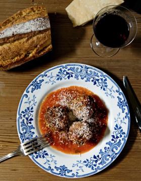 Boulettes de viande et sauce tomate pour 4 personnes