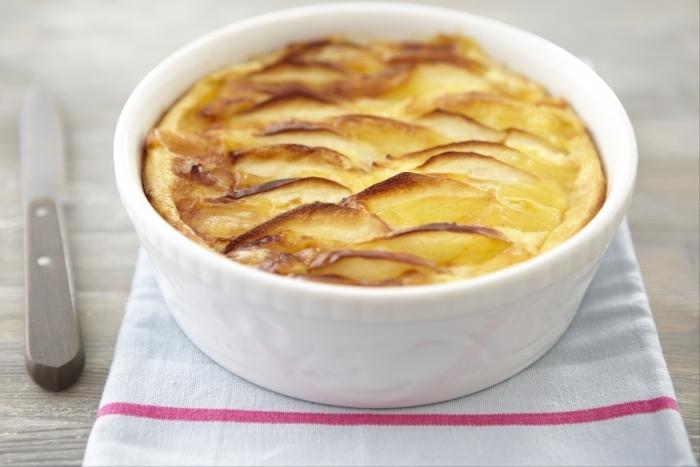 Recette de clafoutis pomme-comté facile et rapide