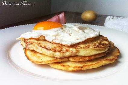 Recette de pancakes de pommes de terre bacon et oeuf