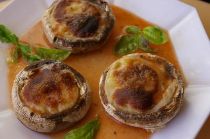 Recette de champignons au chèvre et à la vinaigrette de tomate