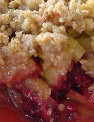 Recette de crumble rhubarbe-framboise