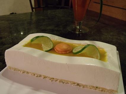 Recette de bavarois citron vert, noix de coco et fruits exotiques