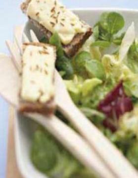Salade aux tartines de munster pour 6 personnes