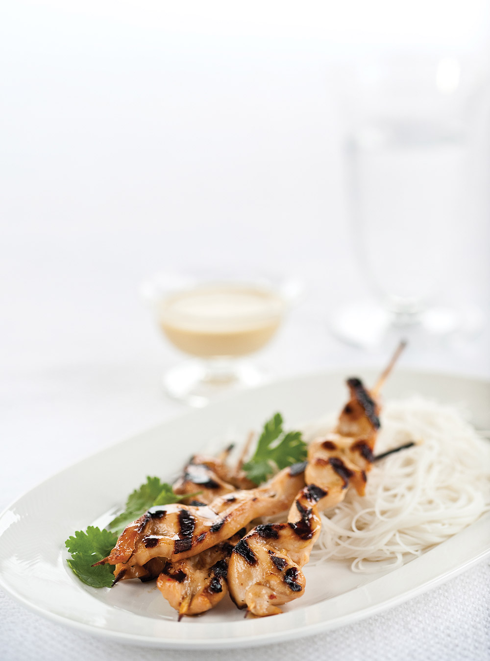 Brochettes de poulet, sauce aux arachides | ricardo