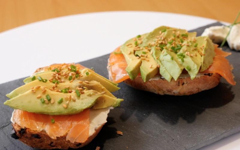 Recette Petits Pain Saumon Avocat Cream Cheese Pas Chere Cuisine