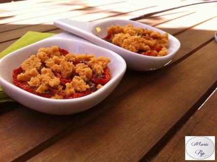 Recette de crumble de parmesan aux tomates confites