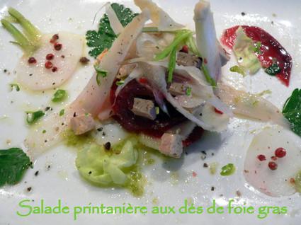 Recette de salade printanière aux dés de foie gras