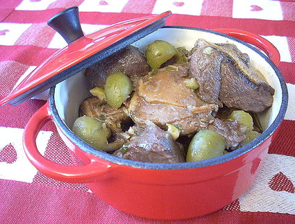 Recette de canard aux olives, ail et échalotes