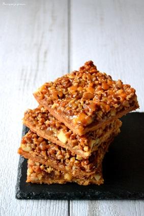 Recette de carrés aux amandes, noix de pécan et miel