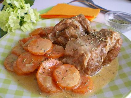 Recette de sauté de veau aux carottes et romarin