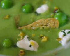 Recette soupe glacée verte aux fèves, petits pois et pistaches