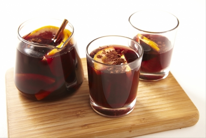 sangria avec vin rouge et cointreau recette. Black Bedroom Furniture Sets. Home Design Ideas