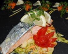 Recette pavés de saumon pochés, légumes en julienne facon wok