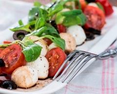 Recette salade aux tomates, mozzarella et olives
