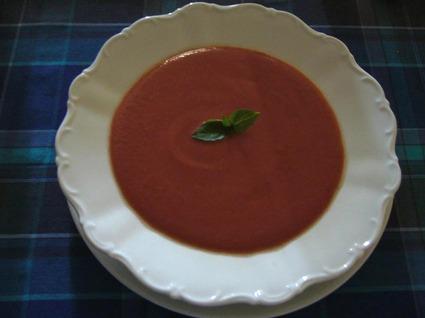 Recette de soupe froide de tomate à la provençale
