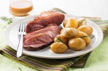 Recette de magret de canard au miel et au romarin, pommes ...
