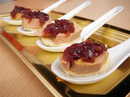 Recette de foie gras sur toast, confit d'oignon rosé de roscoff