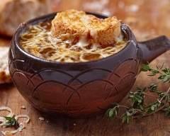 Recette soupe à l'oignon gratinée facile