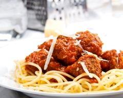 Recette spaghetti aux boulettes et à la sauce tomate