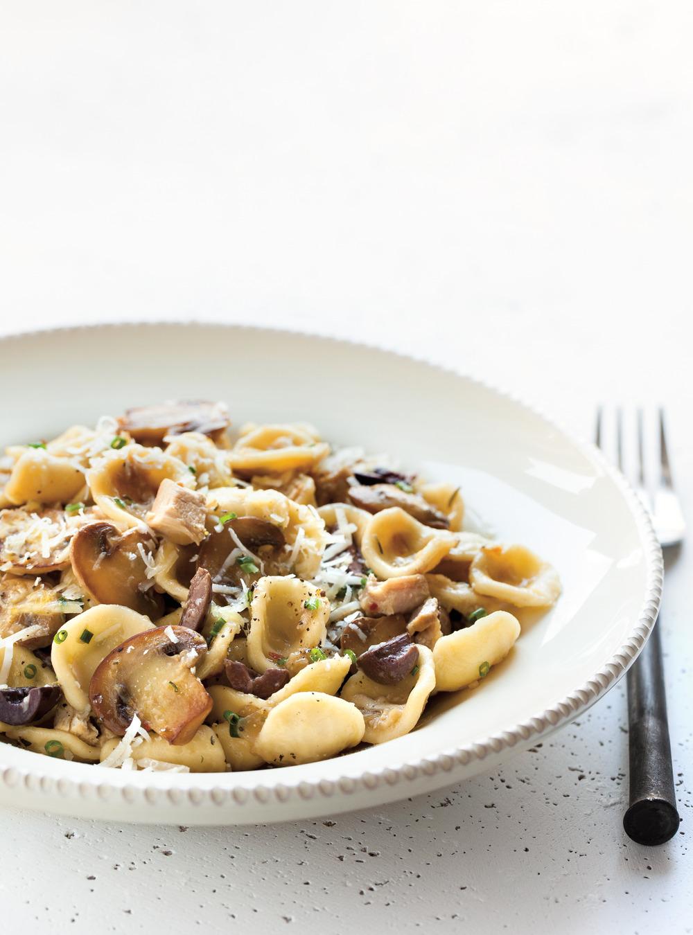 Orecchiettes au poulet, aux olives et aux champignons | ricardo