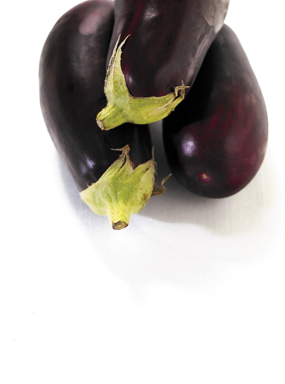 Agneau poêlé et salade tiède d'aubergine, de concombre et de ...